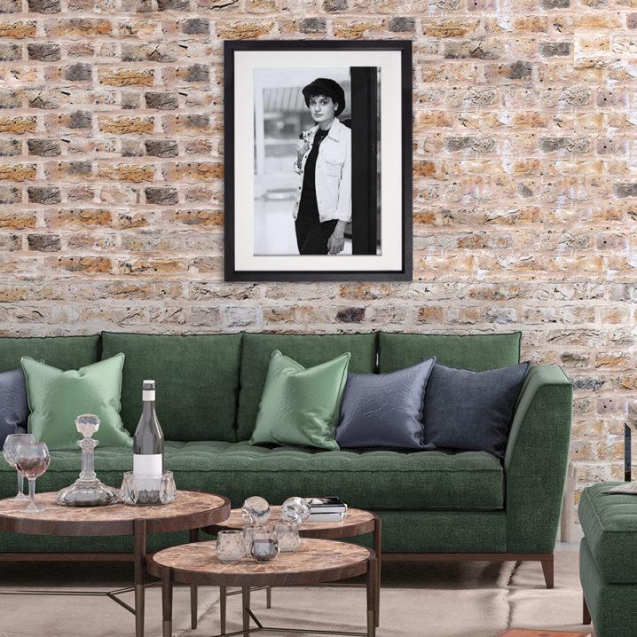 Sinead O'Connor. Dublin 1985 in room setting