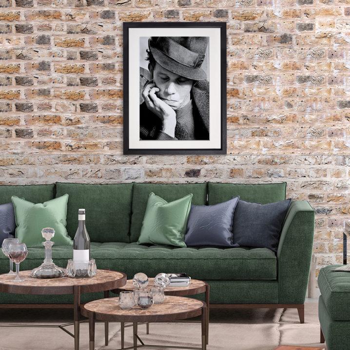 Tom Waits Dublin 1982 in room setting